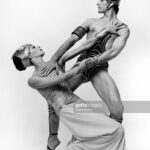 """Martha Graham dancers Peggy Lyman and Donlin Foreman performing """"Andromache"""" in 1982. (Photo by Jack Mitchell/Getty Images)"""